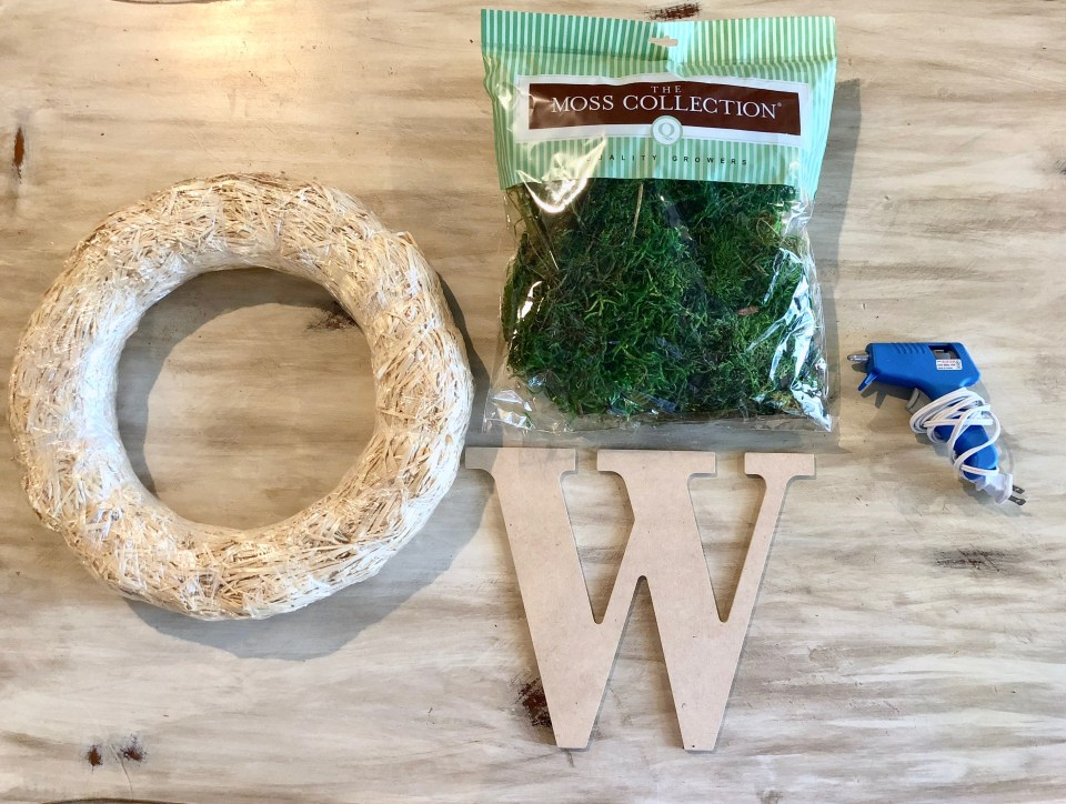 IMG 5189 1024x772 - Easy DIY Moss Wreath