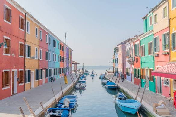 Colourful houses in Burano how to get to Burano Isalnd from Venice - Venice Travel Guide