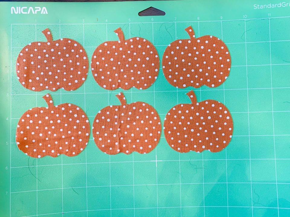 IMG 3423 scaled - 5 Easy Fall Crafts to make with Cricut