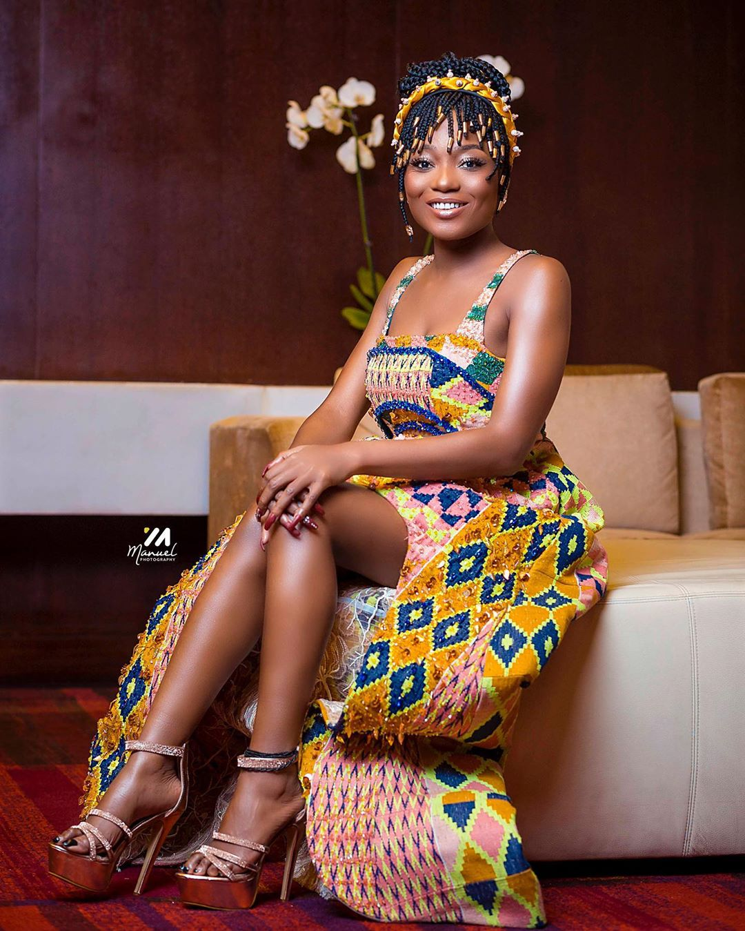 We are getting serious Yaa Asantewaa vibes from Efya in this Pitis ...