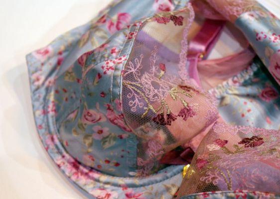 Rochella Vintage Floral Bra Detailing (Rochella AW16)