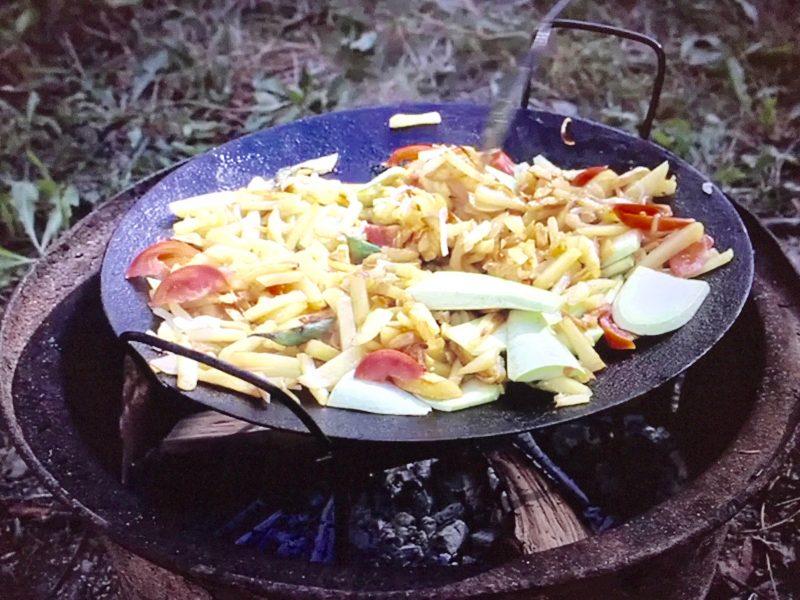 cocinar al disco de arado en Brasas y Sabores catering parrilla argentina a domicilio