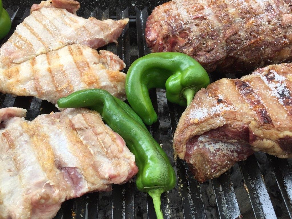 carnes argentina y pimientos a la parrilla