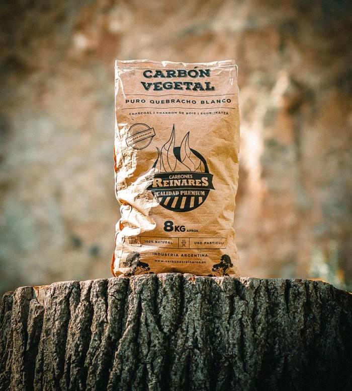 Carbón vegetal quebracho blanco calidad premium 8kg tronco