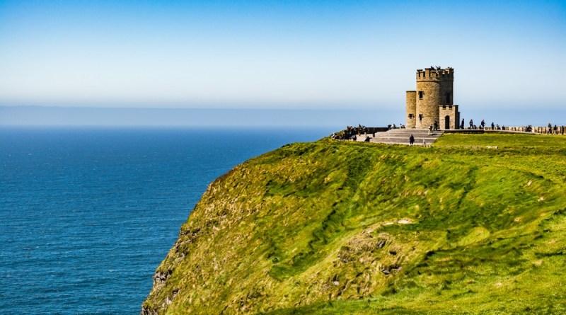Paisagem e castelo irlandeses