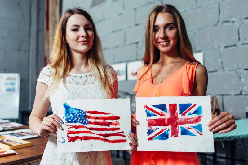 ingles e americana - diferencas entre britanicos e americanos
