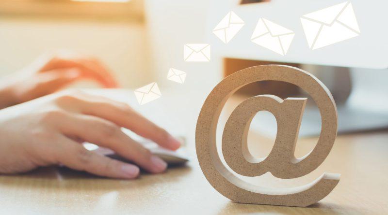 Arroba, símbolo utilizado para escrever um e-mail