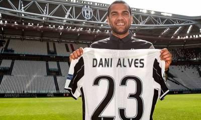 "Daniel Alves confirma saída da Juventus: ""Levarei comigo todos"""