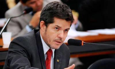 Substituído na CCJ, delegado Waldir diz aos berros que governo Temer é 'nojento'