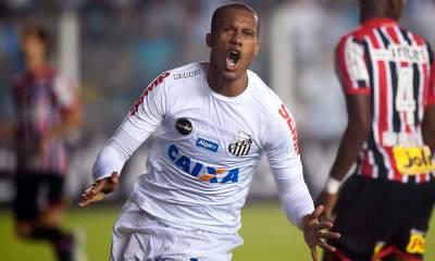 Copete faz três, Santos vence e derruba o São Paulo para a vice-lanterna