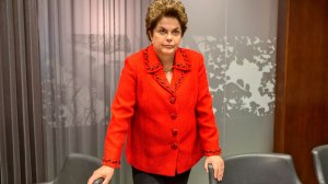 Lula estará nas eleições 'vivo ou morto', afirma Dilma