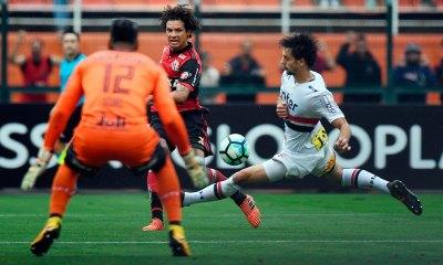 São Paulo vence Flamengo e se distancia do Z-4