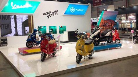"""O modelo de três rodas MP3 Yourban Sport é a """"sensação"""" da Vespa-Piaggio no Salão Duas Rodas 2017"""