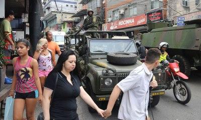 Rocinha amanhece sem luz e com tiroteio neste sábado; confronto deixa sete mortos
