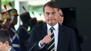 Bolsonaro faz terceira reunião ministerial em duas semanas