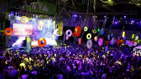 Batida eletrônica da dupla JETLAG marcou o sábado do festival VIVA