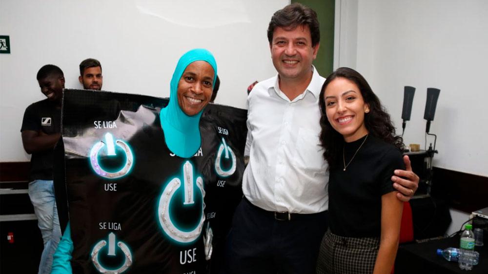 A estudante  Ana Carolina Lima é a responsável pelo desenho da nova embalagem das camisinhas distribuídas pelos SUS