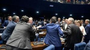 Marcada por tumultos, sessão no Senado é suspensa e fica para este sábado, às 11h. Foto: Foto: Pedro França/Agência Senado
