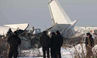 Avião cai no Cazaquistão e mata pelo menos 15 pessoas