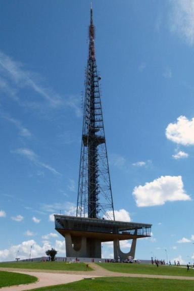 Torre-de-TV-de-Brasília-I