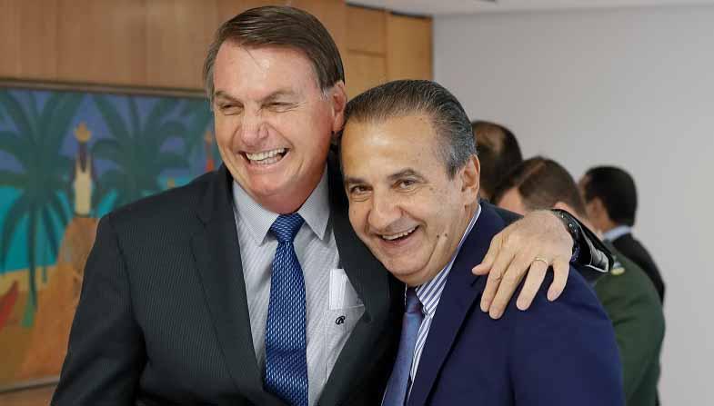 Vídeo: Flávio Bolsonaro diz que Silas Malafaia é 'conselheiro' de Bolsonaro