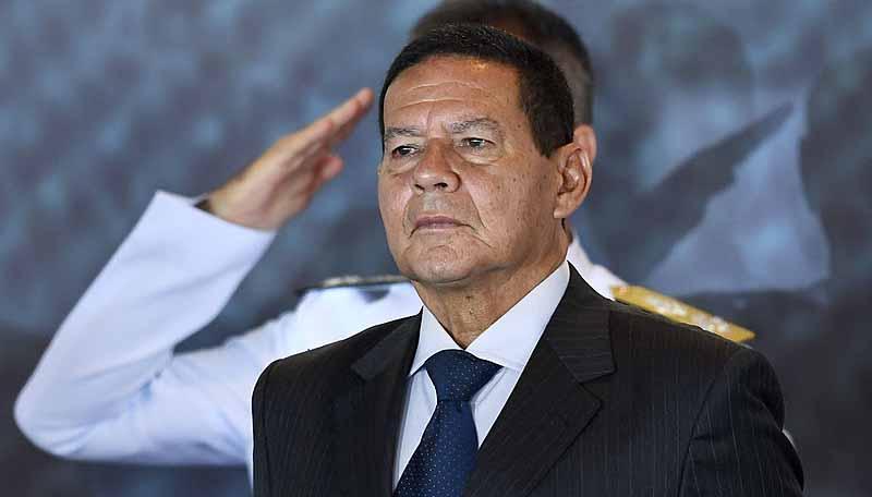 Mourão admite conversar sobre o impeachment pela 1ª vez, diz site