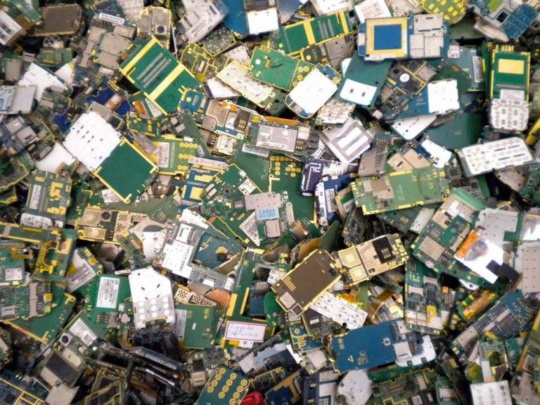 Coleta e Reciclagem de Equipamentos Eletrônicos e Eletrodomésticos