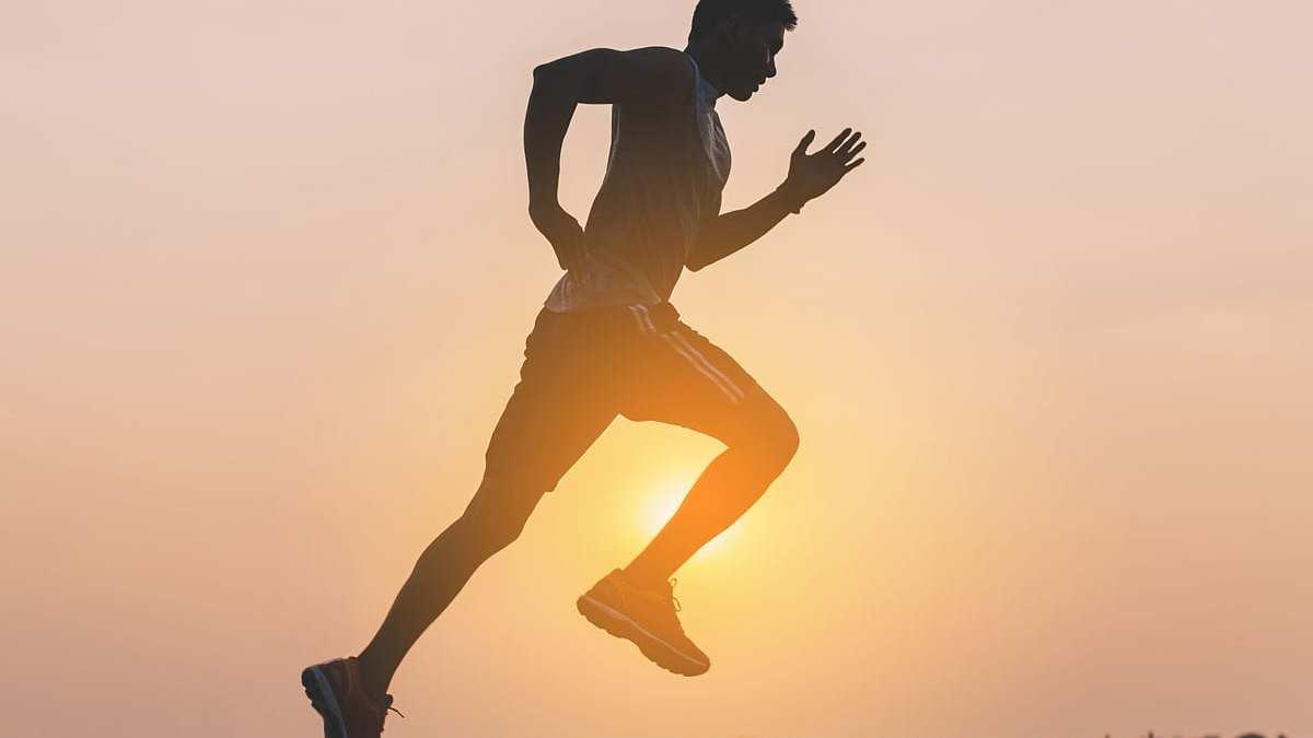 Os efeitos do treino pela manhã no cérebro e corpo.