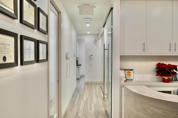 Dentista brasileiro inaugura nova clínica e faz sucesso na Metro Vancouver: conheça