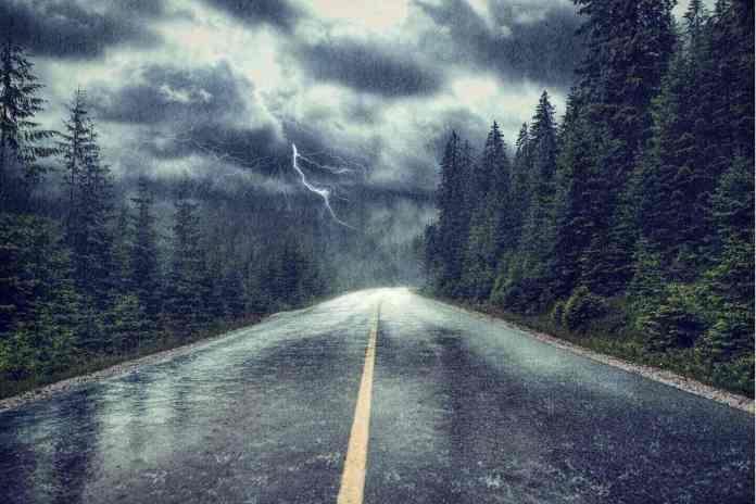 'Rio atmosférico': Fim de semana na Metro Vancouver tem previsão de temporal e ventos fortes