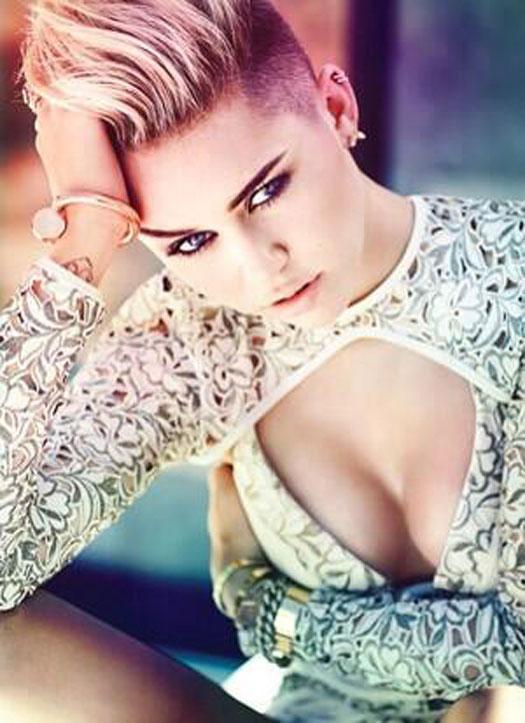 Miley Cyrus Body Bra Size