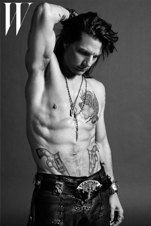 Tom cruise body measurements celebrity bra size body for Tattoo apprenticeship age