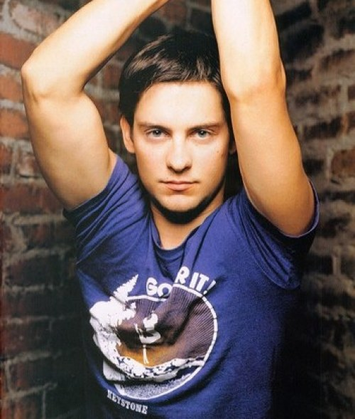 Tobey Maguire Biceps Size