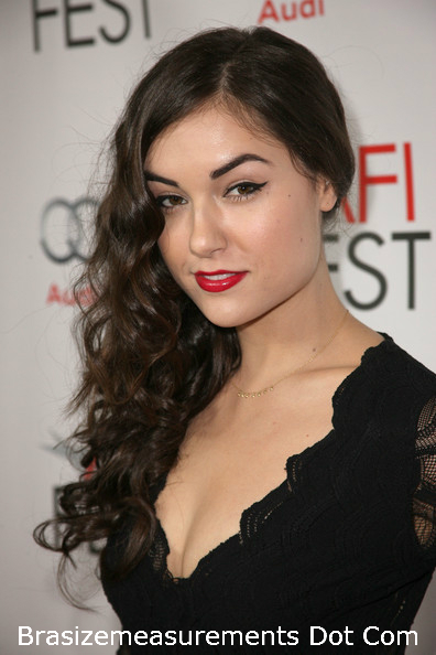 Sasha grey reading-8913