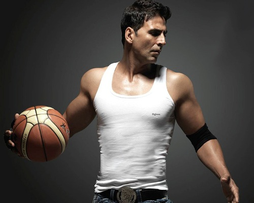 Akshay Kumar Biceps Size