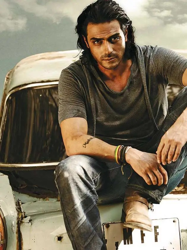 Arjun Rampal Biceps Size