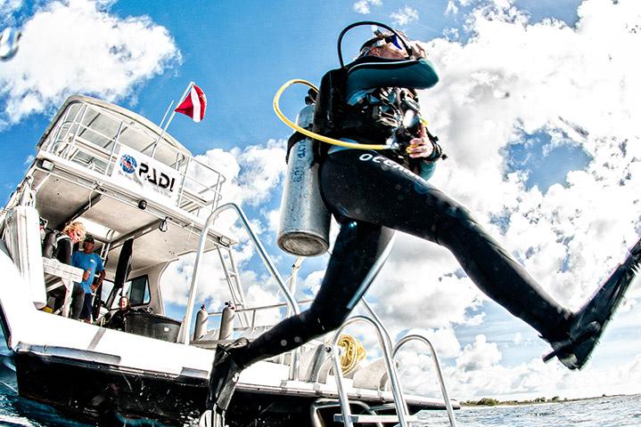 Boat Diver (Photo Credit - PADI)