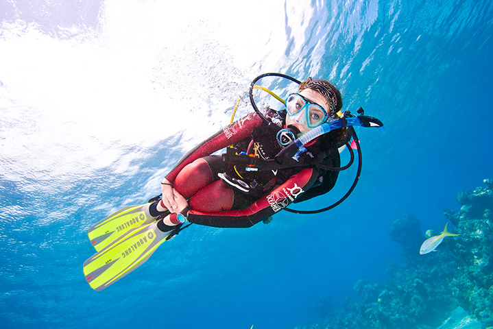 Peak Performance Buoyancy Diver (Photo Credit - PADI)