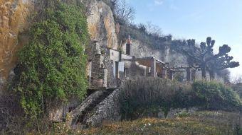 Habitations troglodytes de Trôo