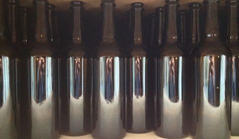 200 bouteilles de 75cl toutes neuves en provenance del a Verrerie du Futur à Bergheim
