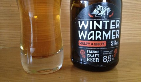 Winter Warmer de la brasserie Page 24, bière épicée et sucrée : une blonde originale, bien transparente - Dégustation #BeeryChristmas (18 sur 24)