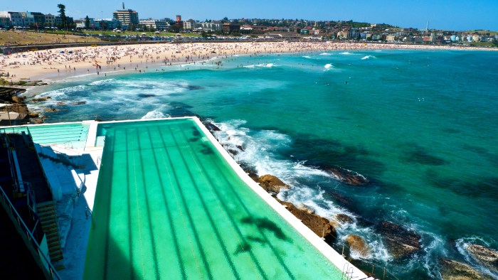 Bondi-bath©John murray
