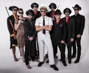 1024px-The_Bombay_Royale