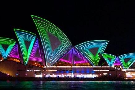 PROMOÇÃO: Encontramos tickets para o Vivid Sydney Cruise com mais de 50% de desconto, incluindo Drinks e canapés!
