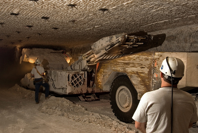 DOE_Begins_Mining_Operations_for_Salt_Disposal_Investigations_at_WIPP_2