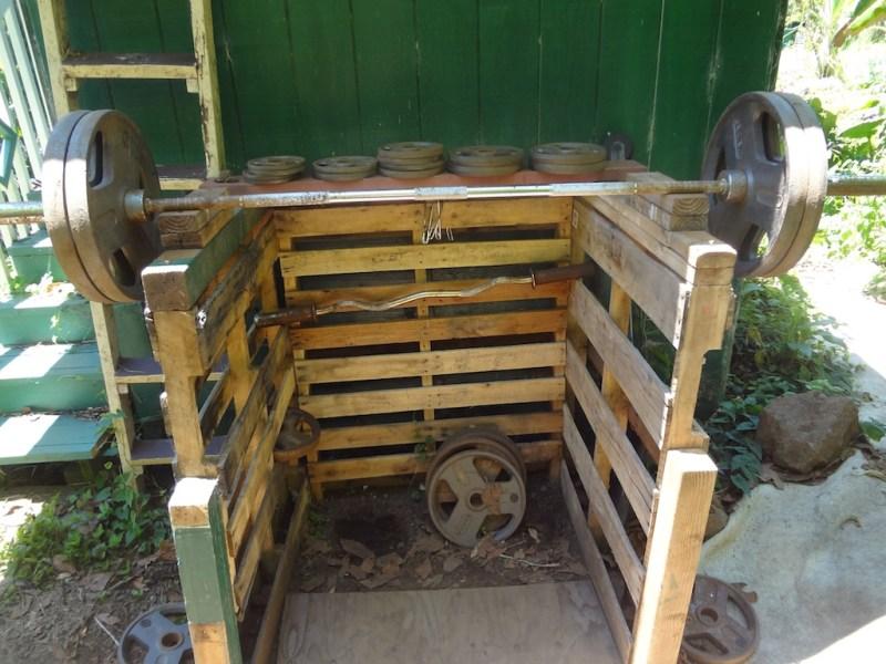 build wooden squat rack
