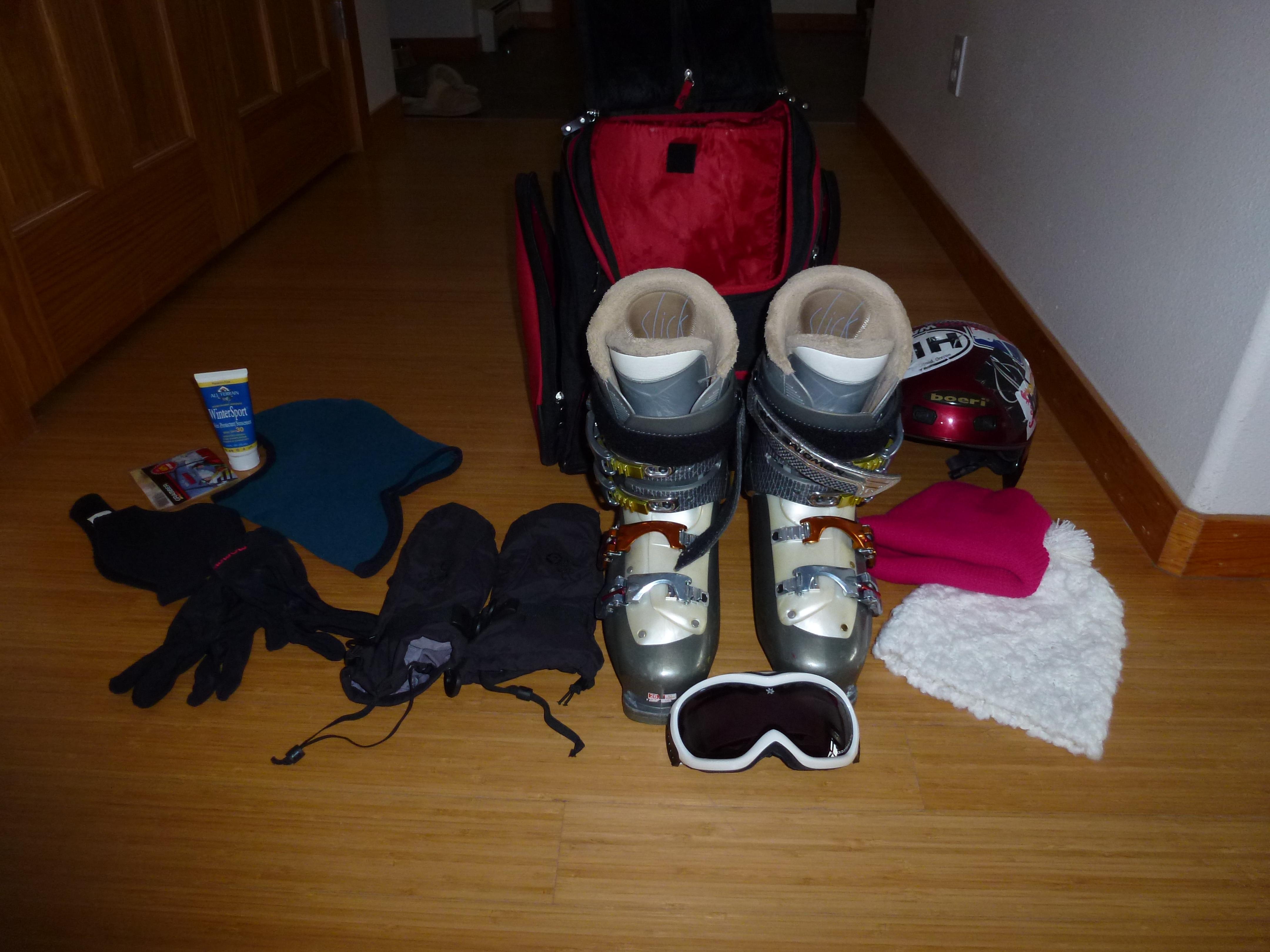 7ab206857a Ski Fashion on the Go  The Skboot Bag