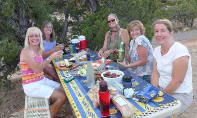 tasting calnaturale wine on a picnic