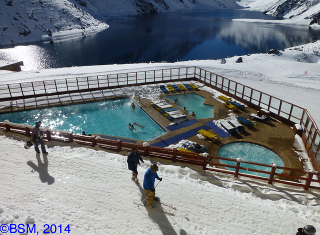 portillo pool and lake
