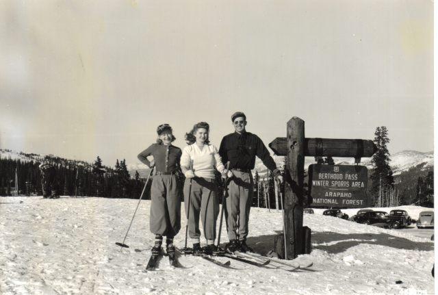 early skiers berthoud pass